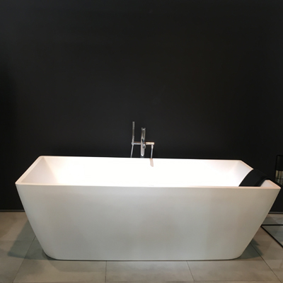 Baignoire design nouvelle collection Salon Batimat